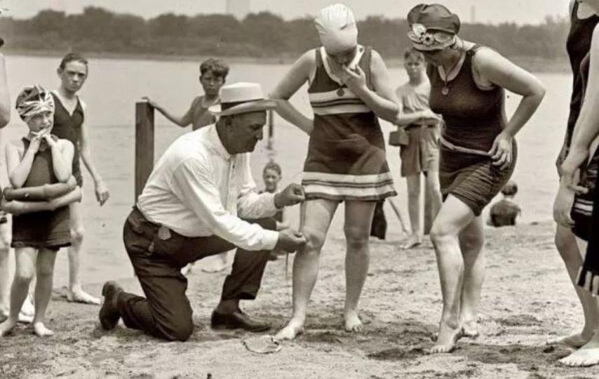 Tek Parti döneminde plajdaki kadınların etek boylarının ölçüldüğü iddiası